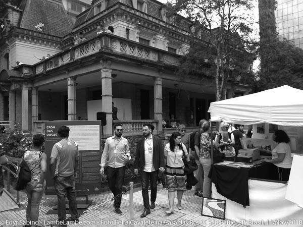 Foto Feira Cavalete Casa das Rosas, Av. Paulista, Sao Paulo, SP, 2018-11-11